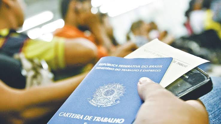 Resultado de imagem para Setor de serviços cresce 1,2% em setembro, aponta IBGE